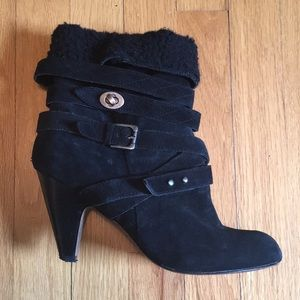 Well kept Nine West black boots
